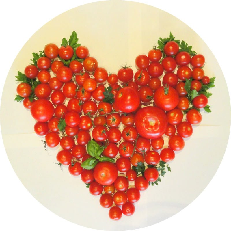 Why are tomatoes a good food for pregnant women?